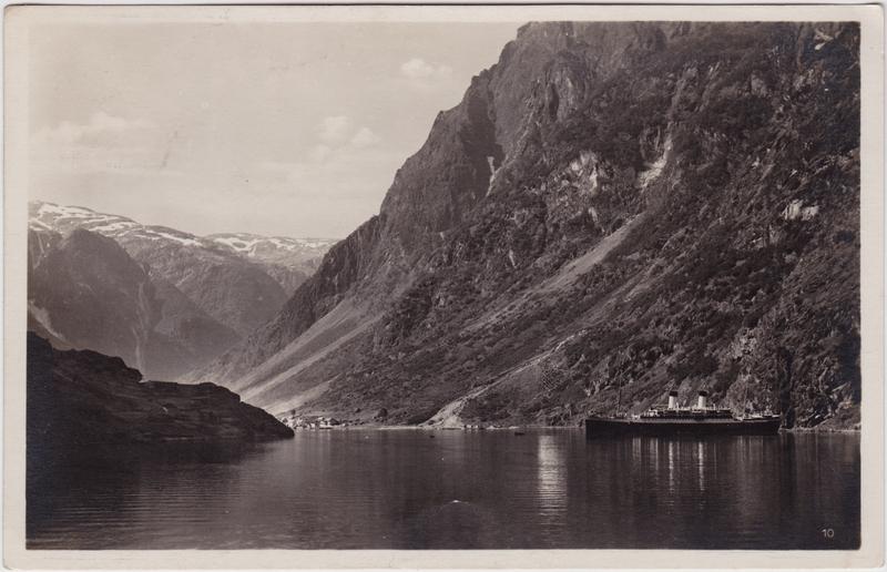 Gudvangen Fjord mit Dampfer Sogn og Fjordane Foto Postcard Norge 1930