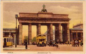 Mitte Berlin Brandenburger Tor mit Verkehr - Bus, Auto und Fahrrad 1924