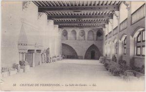 Pierrefonds Chateau de Pierrefonds - La Salle des Gardes  1913