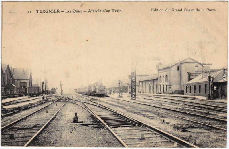 Tergnier Gare, Les Quais - Arrivee d'un Train 1914