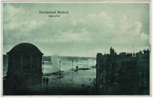 Borkum Promenade bei Sturmflut Ansichtskarte 1926