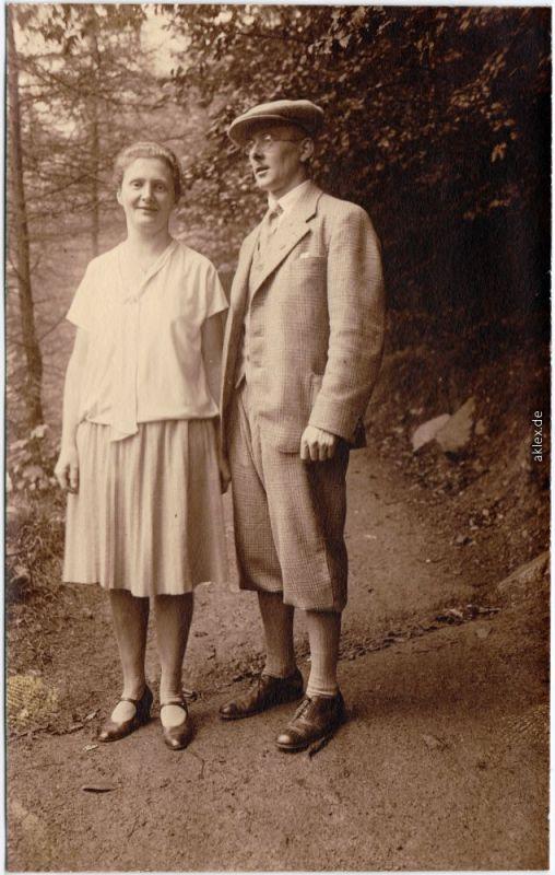 Oberwiesenthal Paar auf dem Fichtelberg Erzgebirge Privatfoto AK 1930