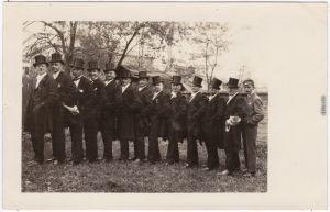 Die Herrlichkeiten - Männer mit Zylinder - Hochzeitsfoto 1929