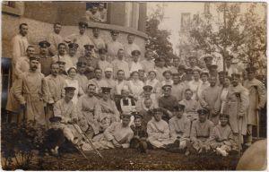 Soldaten im Lazarett, Krankenschwestern Privatfoto Karte  Militaria  WK11917