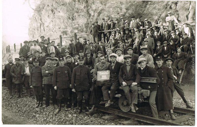 Pokládka Schienenbautruppe und Lokführer Bahnbeamte Eisenbahn privatfoto 1936