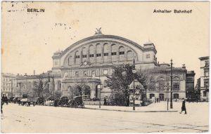 Ansichtskarte Kreuzberg Berlin Anhalter Bahnhof - Kutschen Kiosk 1914