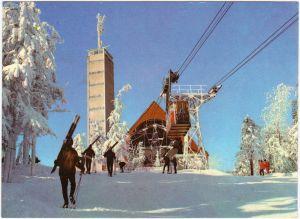 Oberwiesenthal Bergstation der Fichtelberg-Schwebebahn, Skifahrer 1975