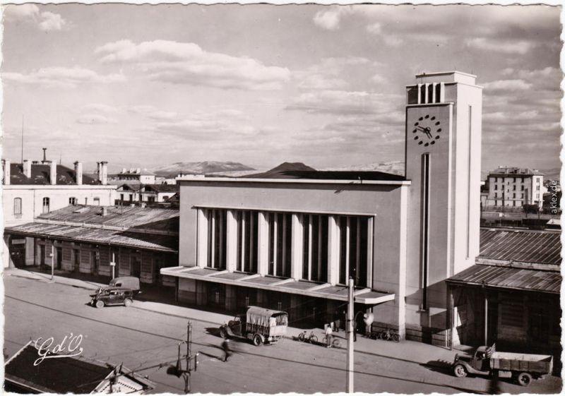 Clermont-Ferrand La Gare / Bahnhof CPA Ansichtskarte Puy-de-Dôme 1965