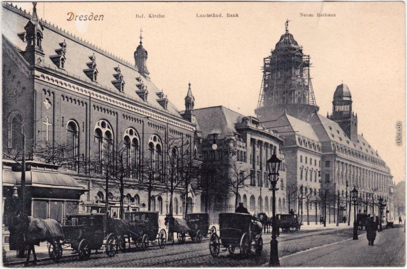 Altstadt Dresden Straßenpartie mit Kutschen Neues Rathaus im Bau 1908