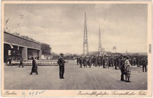 Tempelhof Berlin Flughafen Tempelhof - Versammlung auf dem Flugfeld 1930