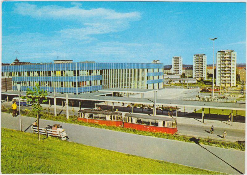 Plauen (Vogtland) Partie am oberen Bahnhof, Straßenbahn und Punkthäuser 1979