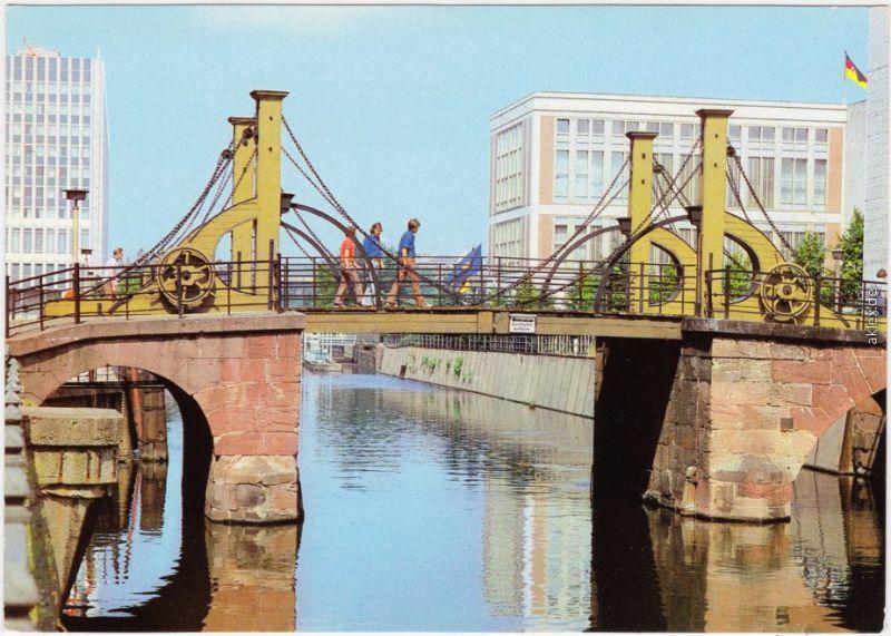 Ansichtskarte  Mitte Berlin Nicolai-Viertel, Jungfernbrücke 1980