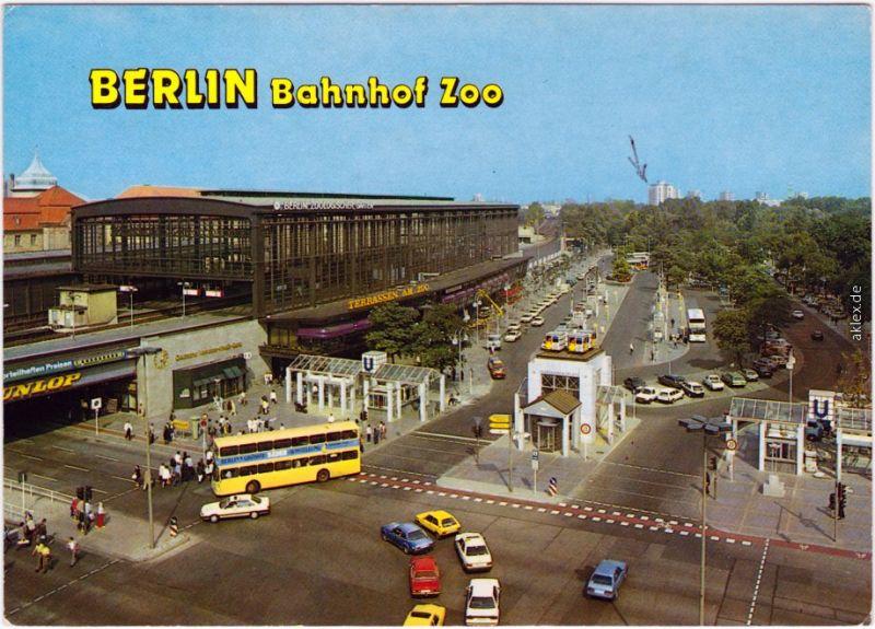charlottenburg berlin berblick ber den bahnhof zoo mit verkehr bus 1982 nr 61539 oldthing. Black Bedroom Furniture Sets. Home Design Ideas