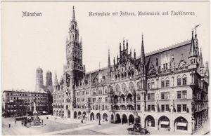 München Marienplatz mit Rathaus, Mariensäule und Fischbrunnen 1912