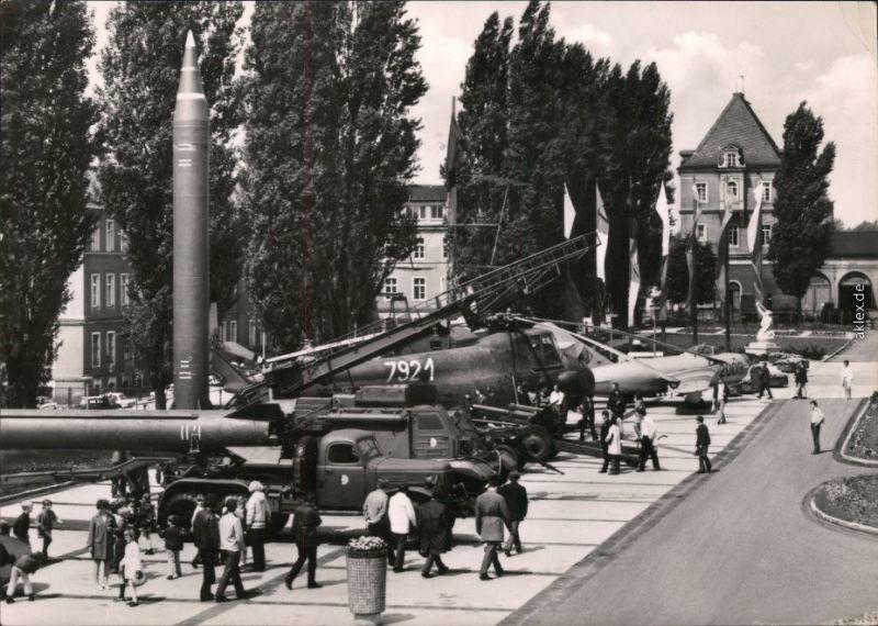 Albertstadt Dresden Armeemuseum der DDR  - Freigelände Foto Ansichtskarte 1972