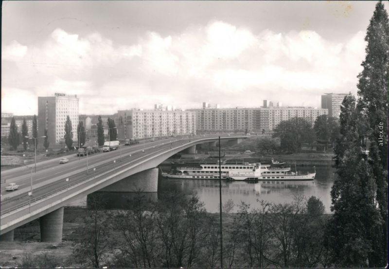 Altstadt Dresden Neubauten Dampfer  Carolabrücke / D.-Friedrichs-Brücke 1972