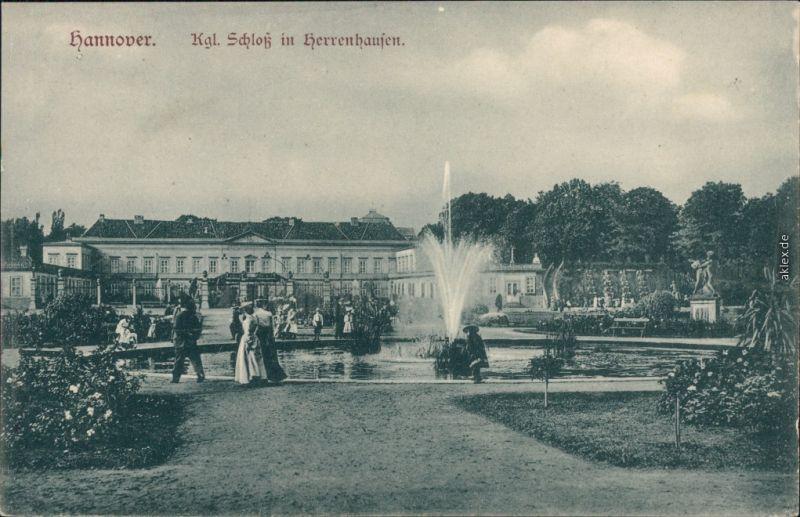 Ansichtskarte Herrenhausen-Hannover Kgl. Schloß mit Brunnen und Fontäne 1915
