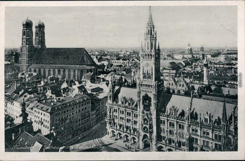 München Rathaus mit Frauenkirche - Blick über die Stadt g1942