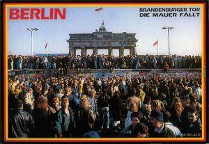 Ansichtskarte Berlin Brandenburger Tor, Die Berliner Mauer fällt 1989
