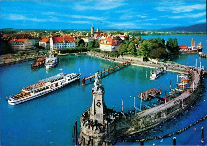 Lindau (Bodensee) Hafen - Blick vom Leutturm auf Hafenanleger mit Dampfer 1986