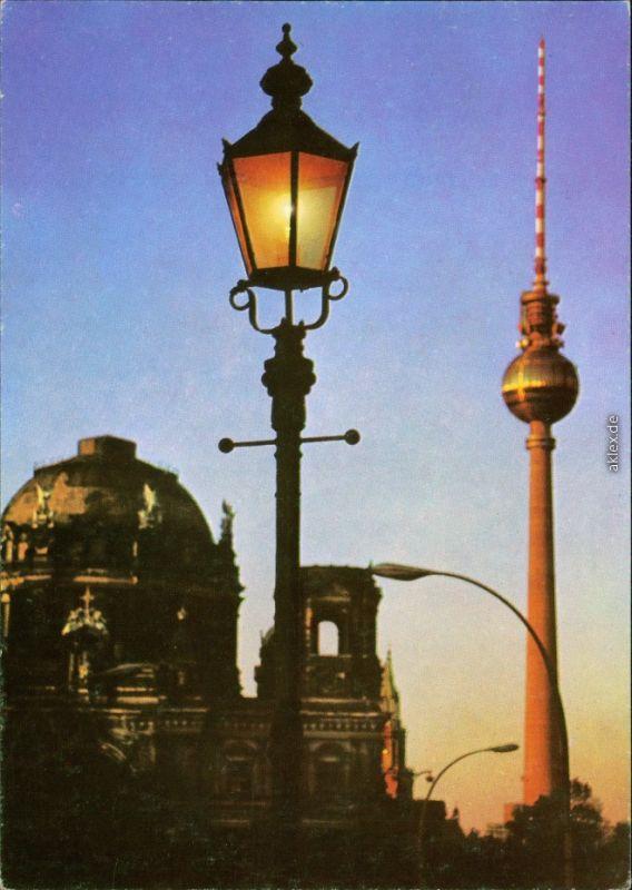 Mitte-Berlin Fernsehturm mit Berliner Dom /   Domkirche zu Berlin 1973