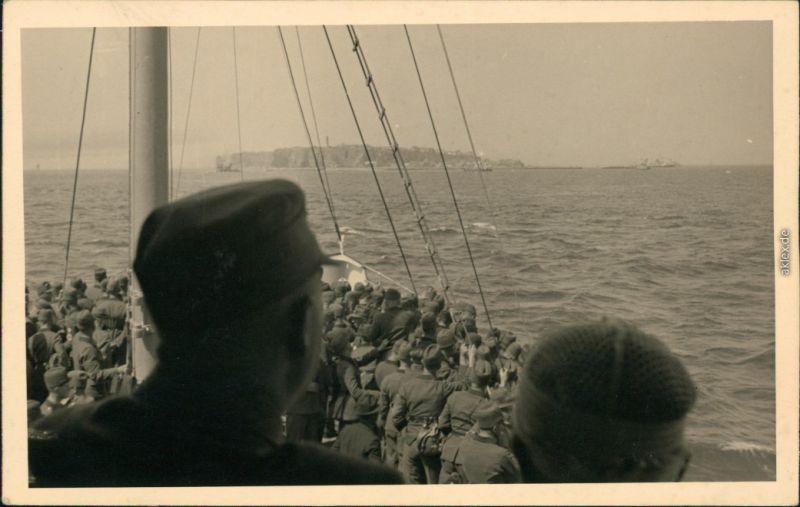 Privatfoto Ansichtskarte Helgoland (Insel) Soldaten 2. WK - vor Helgoland 1941