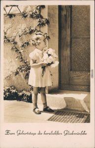 Ansichtskarte  Junges Mädchen mit Blumenstrauss - Geburtsag 1940