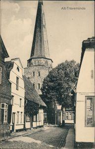 Ansichtskarte Travemünde-Lübeck Straßenpartie, Kirche 1913