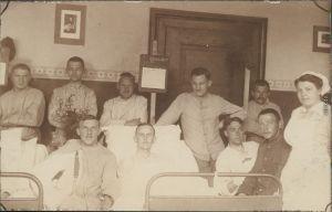Ansichtskarte  Soldaten und Krankenschwestern im Lazarett WK1 1916