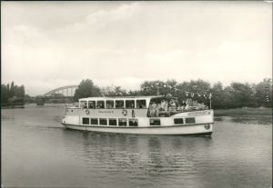 Alsleben (Saale) Saalepartie mit Fahrgastschiff MS