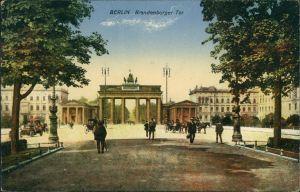 Ansichtskarte Mitte-Berlin Partie am Brandenburger Tor 1914