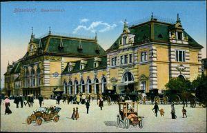 Ansichtskarte Düsseldorf Hauptbahnhof, Kutschen, Autos 1915