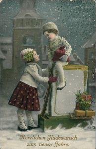 Ansichtskarte  Glückwunsch - Neujahr, Kinder mit Geschenken 1912 Goldrand
