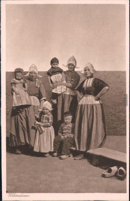 Ansichtskarte Edam-Volendam Trachten/ Typen - Familie 1930