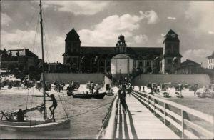 Ansichtskarte Binz (Rügen) Kurhaus, Strand, Seebrücke, Segelboote 1960