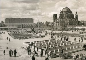Ansichtskarte Berlin Platz am Fernsehturm 1973