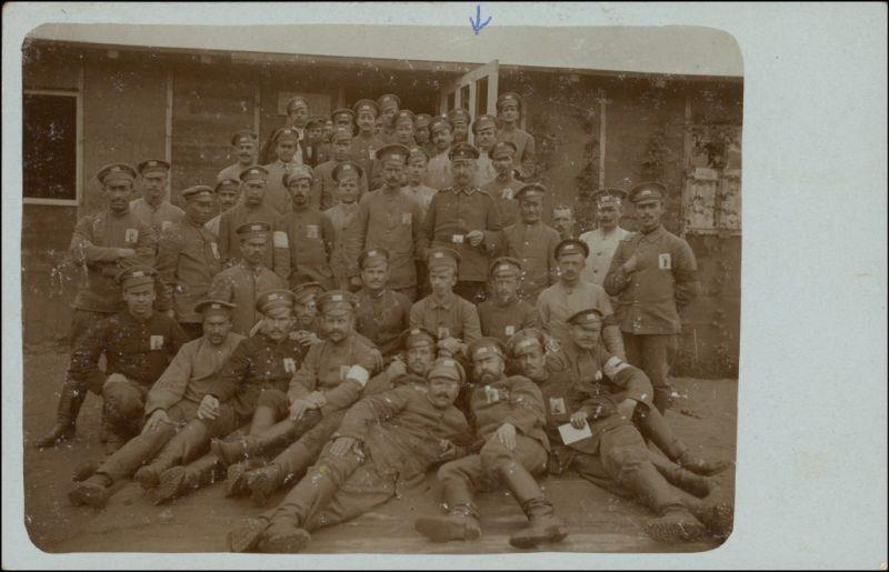 Ansichtskarte  Soldaten vor der Baracke 1. WK 1917