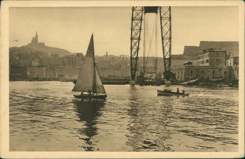 Marseille Sous le pont transbordeur Retour de promenade en mer 1930