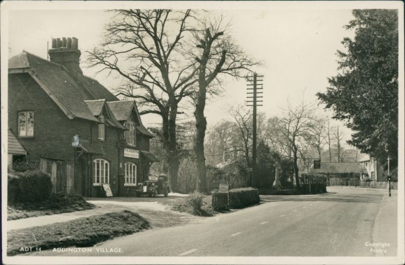 Postcard Addington Village Oldtimer vor Haus 1956