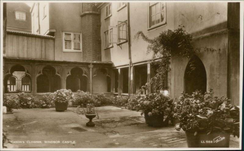 Postcard Windsor Windsor Castle: Canon's Cloister 1932