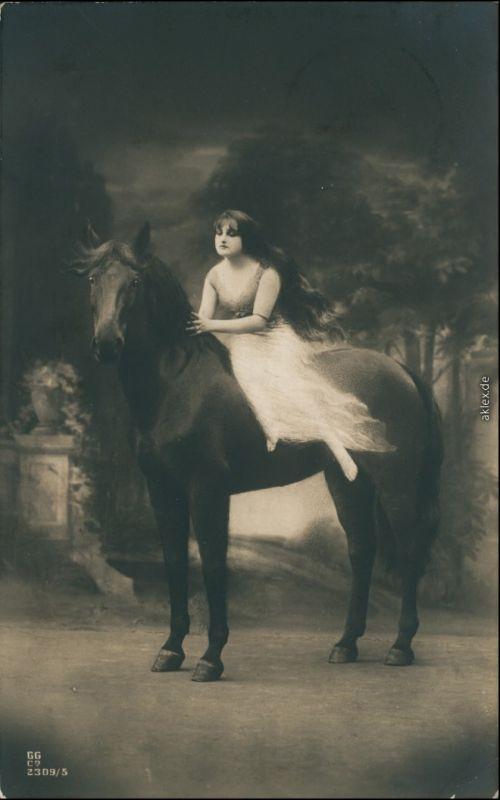 Ansichtskarte  Junge FRau auf Pferd - Erotika 1909