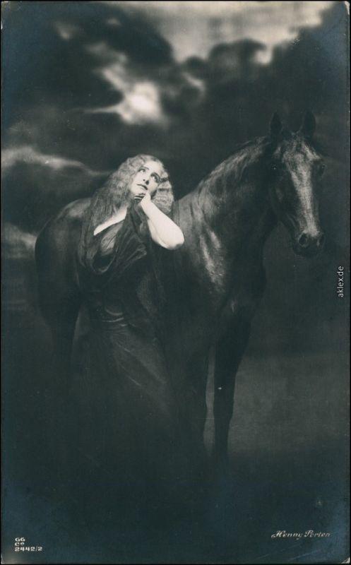 Ansichtskarte  Erorika - Frau Pferd, Henny Porten 1917