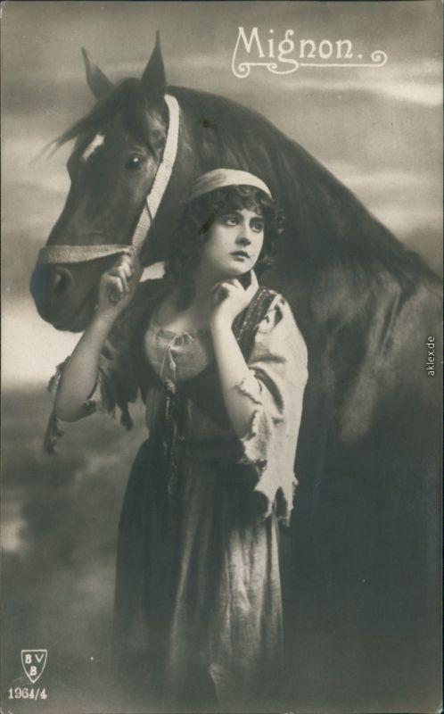 Ansichtskarte  Junge FRau mit Pferd, Erotik 1924