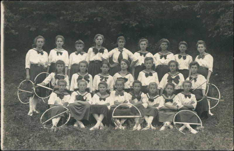 Mädchen Gruppenfoto Uniformen - Tschechien Turner 1932 Privatfoto
