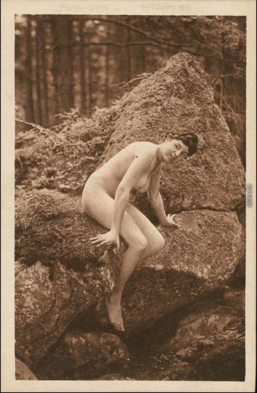 Ansichtskarte  junge Frau nackt Erotik Erotika - Felsen Elfenzauber Nude 1920