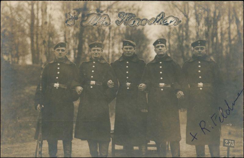 Ansichtskarte  5 Soldaten im Wald mit Gewehr Uniform, Hannover 1914