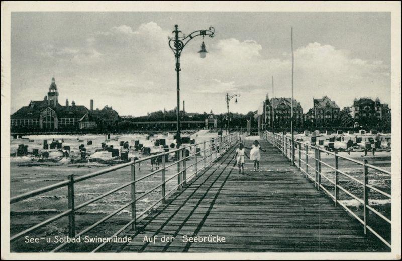 Postcard Swinemünde Świnoujście Mädchen auf der Seebrücke 1932