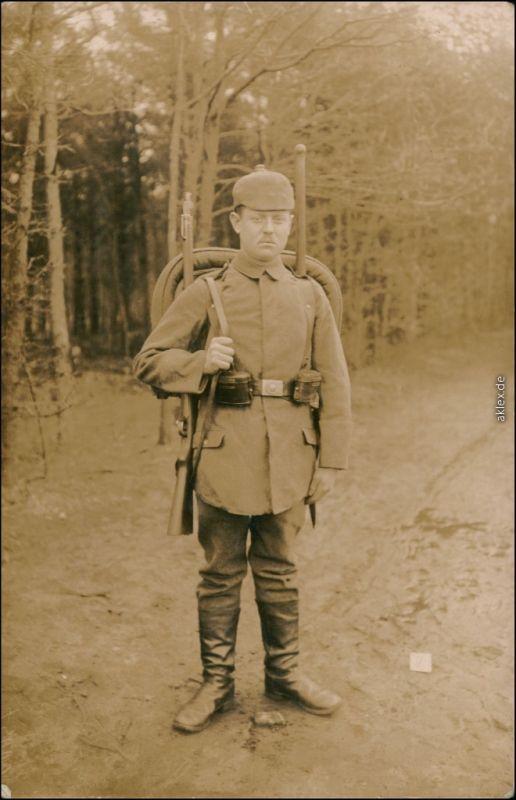 Foto  Soldat, Pickelhaube Tornister - WK1 1916 Privatfoto