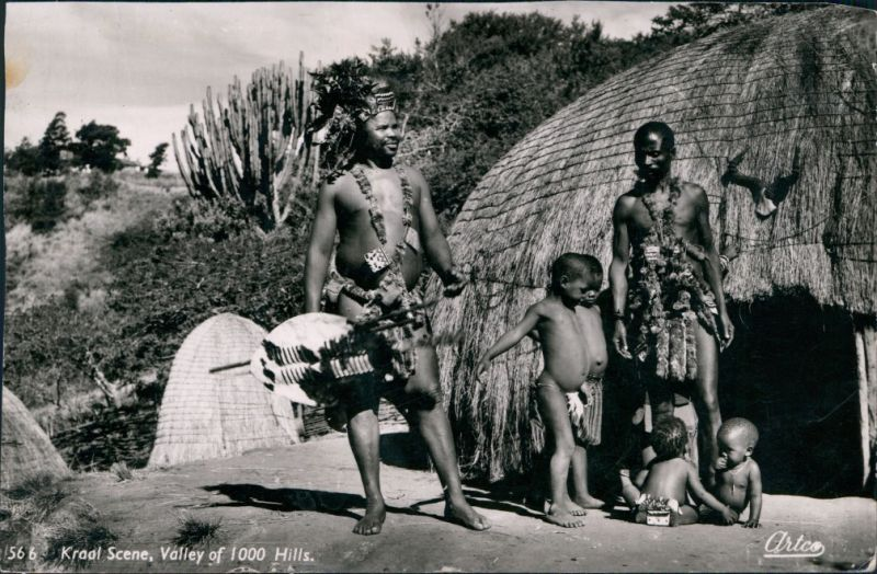 Ansichtskarte  Trachten Süd-Africa - Kraal Scene - Valley of 1000 Hills 1960