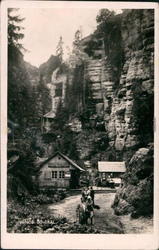Postcard Braunau Broumov Teplické skály: vchod do skal 1935
